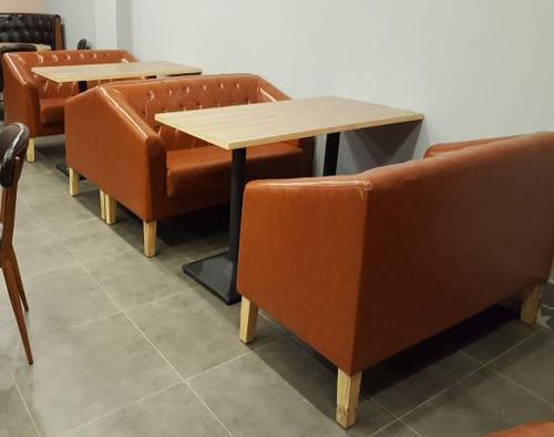深圳茶餐厅沙发桌椅.安装现场
