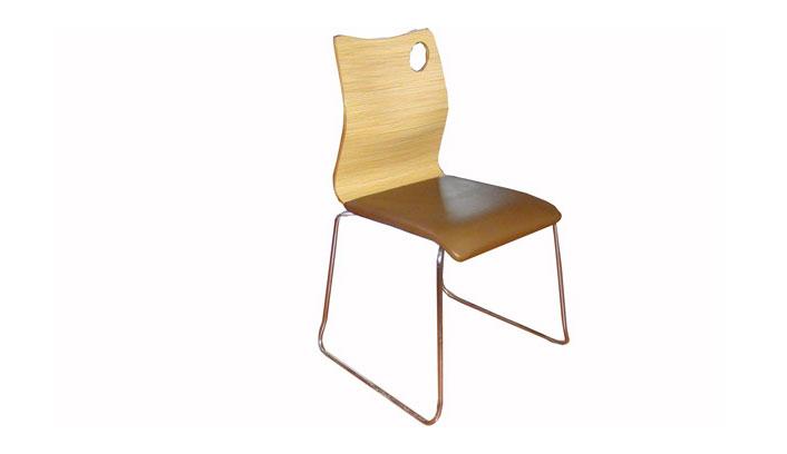 曲木弯板椅